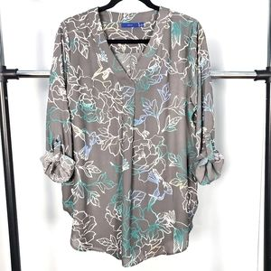 3/$20 Apt 9 Roll Tab V Neck Blouse Large